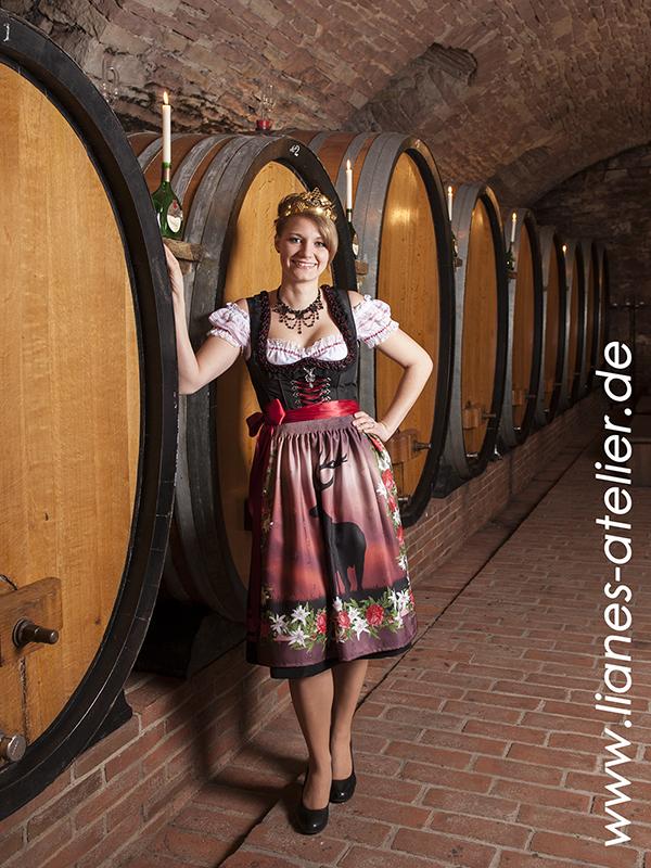 Corina Beuschlein - Dertinger Weinprinzessin 2014-2015