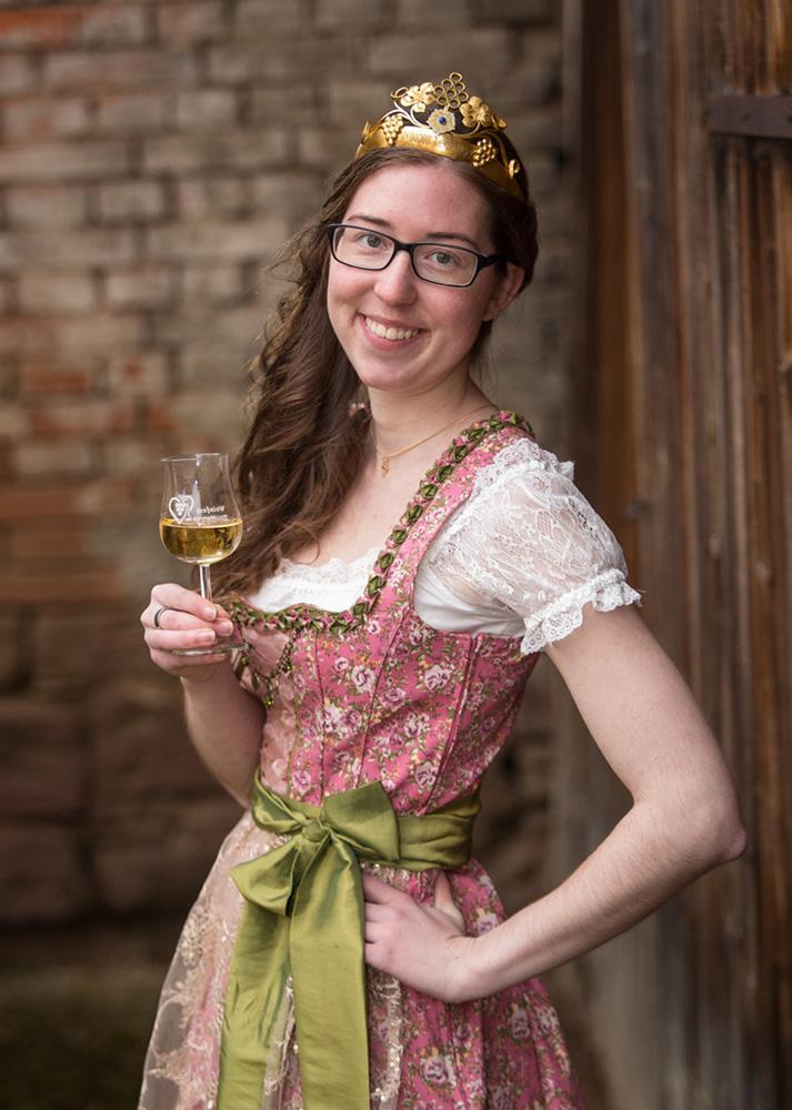 Viktoria Link Dertinger Weinprinzessin 2017-2019 Foto: Studio Schwab
